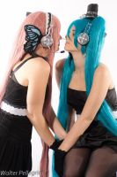 Miku and Luka - magnet by xRika89x