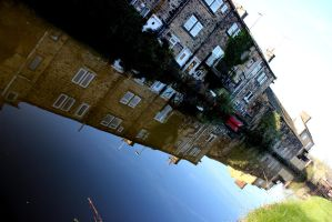 Canal Reflection by karliosi
