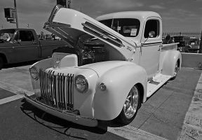 White Ford Pick Up by E-Davila-Photography