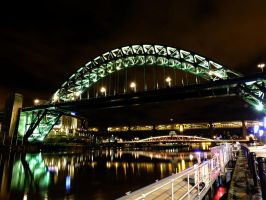 Tyne Bridge by M-Hutcheson
