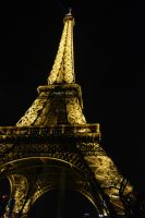 Eiffel Tower by FillyDan