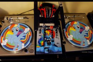 Custom DJ Gear - Rainbow Dash by KayinKento