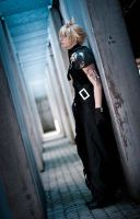 Cloud strife Cosplay: Come out of the darkness by YamiNoShadow