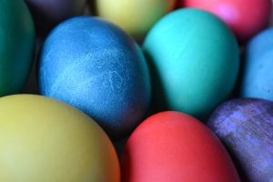 dyed eggs by jeanbeanxoxo