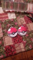 Pokeball Earrings by MaiShark