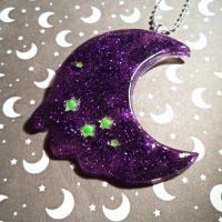 Sour candy crescent moon by Lutrasaura