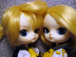 Len and Rin by Blaknite