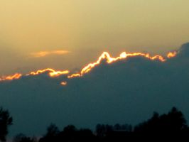 Sunsettish clouds by Annemarie-I