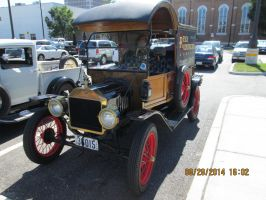 1914 Ford Pic2 by catsvsfox