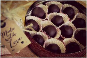 Red wine - Marzipan Chocolates by pandrina