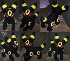 Jointed Umbreon by YutakaYumi