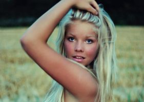Martine by Heleneee