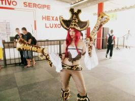 Cosplay of Miss Fortune - League of Legends by sarafloresta