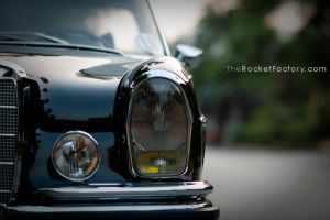 Old school Mercedes by frankrizzo