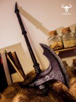 Ebony War Axe - almost portfolio picture by Folkenstal