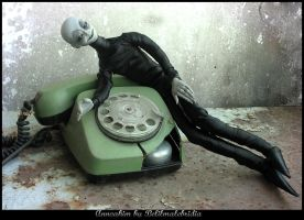 Annoahim with a phone by Belilmalebridia