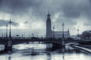 Fog Over City Hall by HenrikSundholm