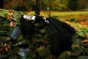 Autumn Death by Wintermoonmistress