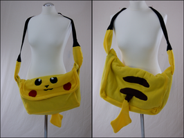 Pikachu bag by kleinespika