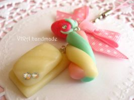 White chocolate and marshmallow phone charm by virahandmade