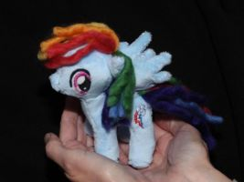 Mini Rainbow Dash - 20% cooler! by DraglaPlushies