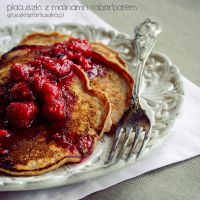 rhubarb-raspberry pancakes and raspberry sauce by Pokakulka