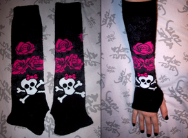 Skully Sleeves by Peleliu