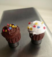 cupcake magnets by MotherMayIjewelry