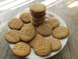 Peanut butter cookies by Skylen-Streak