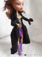 Hand knit long coat for Monster High by kivrin82