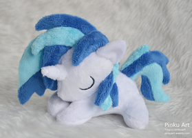 Sleepy Vinyl Scratch / DJ Pon3 filly plush by PinkuArt