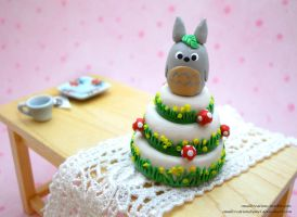 Totoro Themed Cake by SmallCreationsByMel
