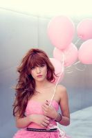 Bella Thorne by Bella--and--Zendaya