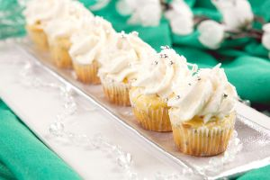 130 - Petits Cupcakes by RoselineLphoto