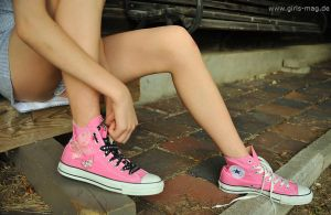 Converse by Val-Mont
