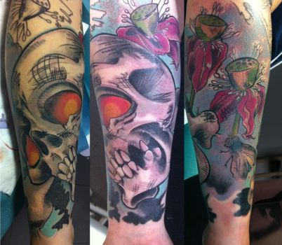 tattoo scull and flowers comic by stilbruch-tattoo