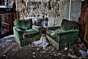 Green couch by DeviantMotiv