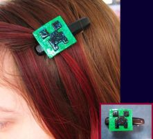Minecraft Creeper Hair Clip by wolfie6