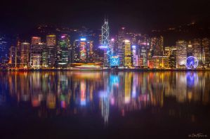 Hong Kong Skyline by BenHeine