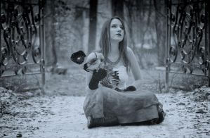 cold girl by PhilippsO
