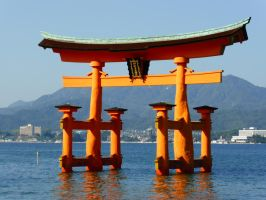 Itsukushima Shrine by ianduff