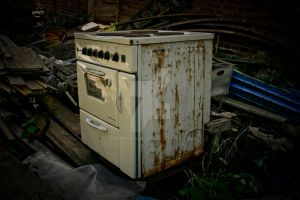 old.oven by lechistani