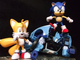 Sonic wins the race! Tails knew Sonic would win! by forever-at-peace