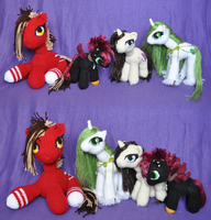 Knit Pony  Toys by AlchemillaVulgaris