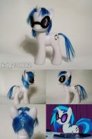 Vinyl Scratch by Oak23