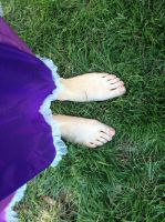 Rapunzel's feet by musicalobsession