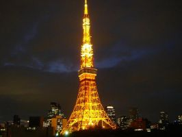 tokyo tower by whorebisquit