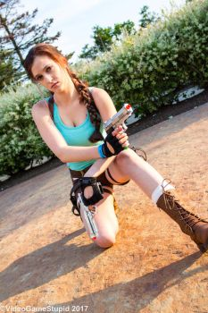 ComiCONN 2017 - Tomb Raider(PS) 04 by VideoGameStupid