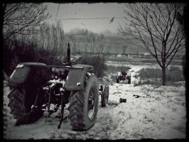 Old tractor by dxcGareyt
