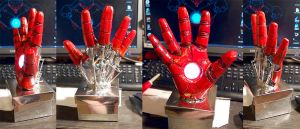 Iron Man palm sculpture by AcidDaisy